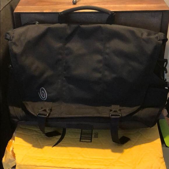 Timbuk2 Other - Timbuk2 Laptop Messenger Bag
